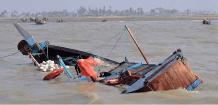 Boat mishap claims 13 lives